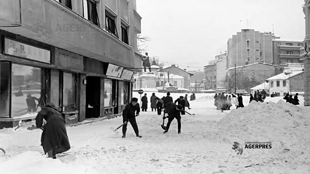 Cum arăta o zi de iarnă din 1954 în București?